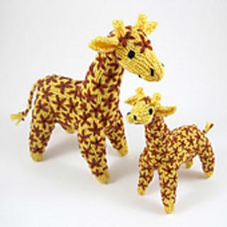 Knitted_giraffe_mother_and_baby_2_medium_small2