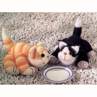 Knitting Pattern For Jess The Cat : Ravelry: Four knitted cats - tabby, ginger, black-and-white and moggy pattern...