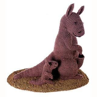 Knitted_kangaroo_and_joey_small2