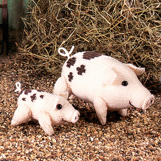 Knitted_gloucester_old_spot_pigs_small2