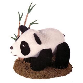 Knitted_panda_small2