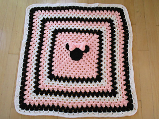 Ravelry Minnie And Mickey Mouse Blanket And Pillow Pattern By