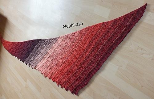 Ravelry: Mephiraso Drachenschwanz Tuch pattern by Michaela Dörlam