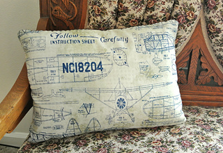 Vintage_aeroplane_pillow_3_small2