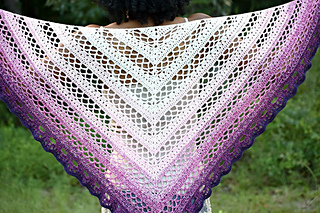 Southern_beauty_shawl_by_elk_studio_a_fun_and_easy_pattern_for_you__small2