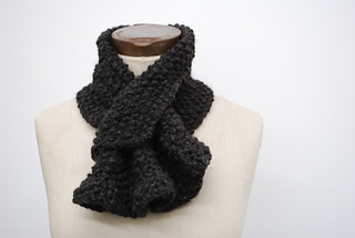 Ruffled_scarflette_small2