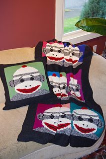 Sock_monkey_couch_small2