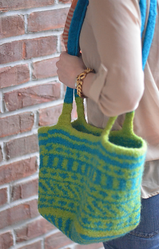 Ravelry: Easy Fair-Isle Felted Bag pattern by Liat Gat