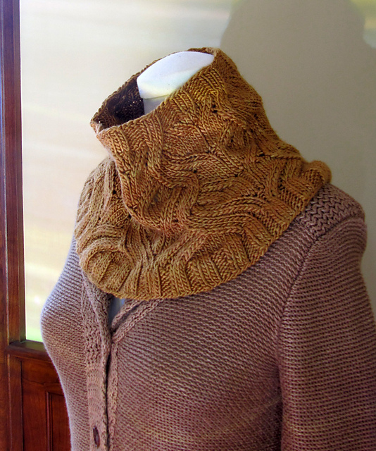 Ravelry Knitted Cowl Pattern Ideas 7 Free Knitted Cowls For Women