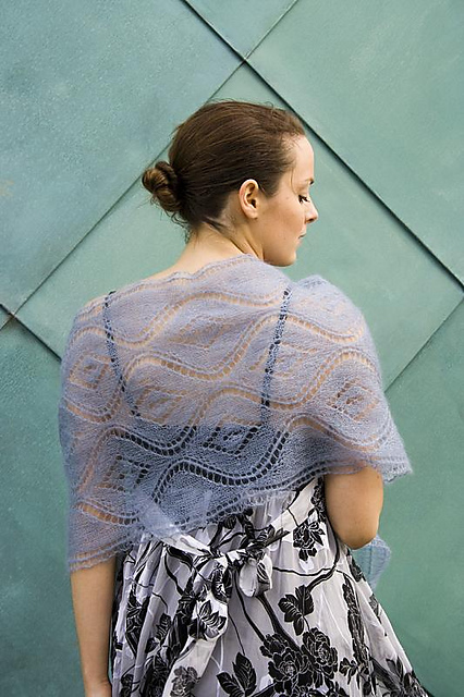 Make this free lace knitting pattern for Mother's Day - Seascape Stole