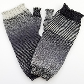 Helical-stripes_knit-mitts_knitorious_5_small_best_fit