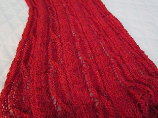Perpetua_red_lace_unblocked_02_small2