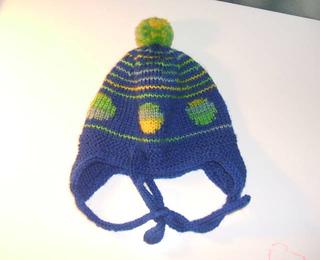 Spotty_earflap_hat_small2