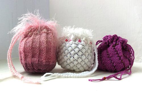 Revolutionary Knitting Circle : Ravelry trio of keepsake bags pattern by knitting revolution