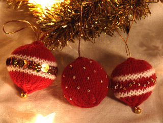 christmas baubles by knitting revolution