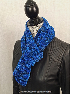 Corso_6425_scarf_side_view_w_pm_small2