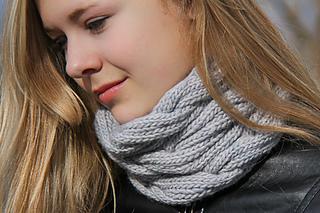 Melony_last_look2_the_knitting_vortex_small2