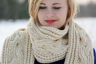 Fish_moderne_scarf_last_look_the_knitting_vortex_small2