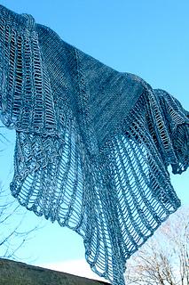 Arachnoshawl_tml_blue_sky_the_knitting_vortex_small2
