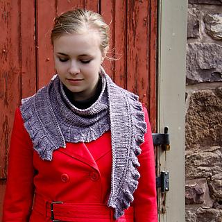 Amortentia_lavandula_front2_the_knitting_vortex_small2