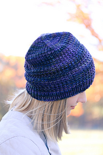 Courser_hat_top_view_the_knitting_vortex_small2