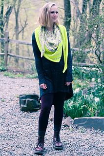 Kline_shawl_last_look_the_knitting_vortex_small2