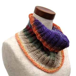 Bird_of_paradise_cowl_small2