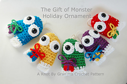 Gift_of_monster_crochet_pattern_small_best_fit