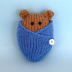 Bear_blue_square_small