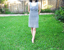 Grey_motif_dress_023_small_best_fit