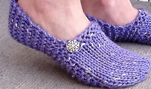 Knitting Easy Slippers : Clog slippers pattern by dayna scoles round loom knifty knitter