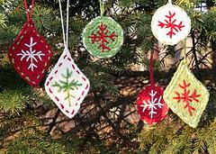 6_ornaments_small_small