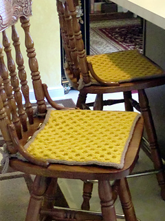 ravelry wallaby waffles tie on seat cushion pattern by caroline