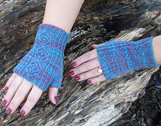 Pf-g-blue-gloves-log_small2