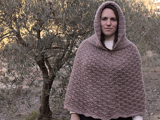Ravelry Poncho With Hood Pattern By Lanasyovillos Official