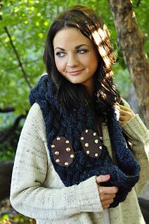 Maschera_hooded_cowl_scarf_3_small2