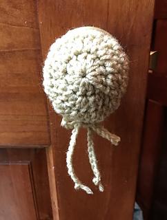 Quick & Easy Doorknob Cover pattern by Susan Heyn