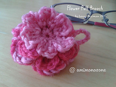 Title_flower_puff_brooch_small