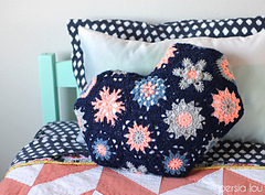 Heart-hexagon-crochet-pillow_small