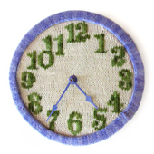 Knitted_clock_small_best_fit