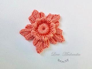 Ravelry 5 petal flower pattern by lina mushanska dt1010fo