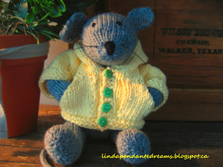 Knit_mouse_002_small2