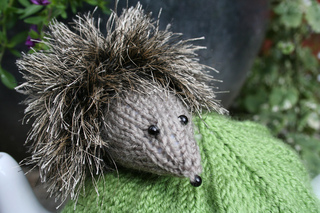 Hedgehogteacosy_013_small2