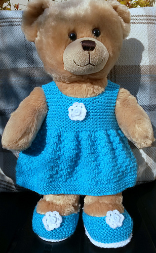 Ravelry: teddy dress and shoes pattern by linda Mary