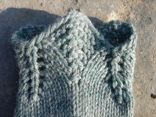 Knit_tabitha_arwen_socks_015_small2