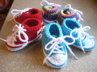 Ravelry Baby Converse Pattern By Suzanne Resaul