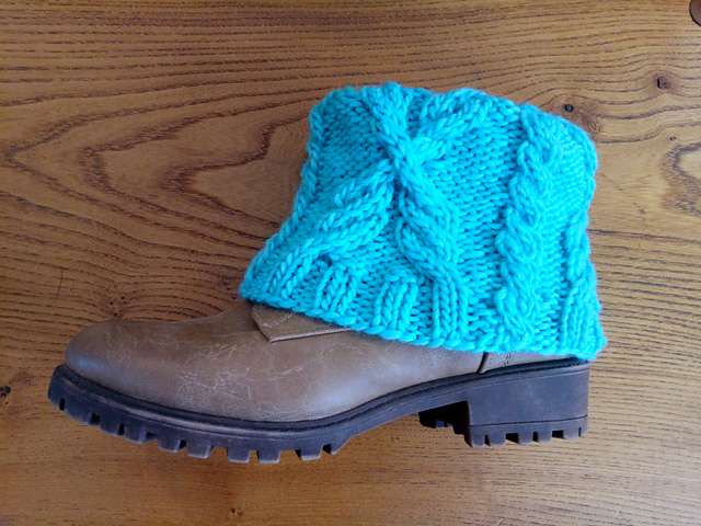 Wheatsheaf Boot Cuff in Turquoise, Brown Sheep Lamb's Pride Worsted.