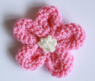 Ravelry: Knitted Flower Tutorial pattern by Julie Taylor