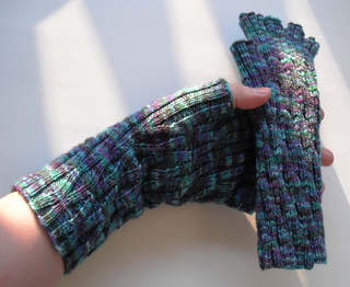 Long_monet_lattice_gloves_3_small2