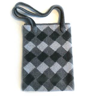Gray_bag_pattern_small2